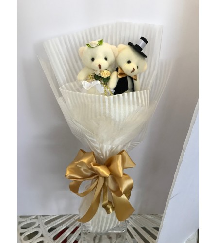 Lovely Couple Teddy Bear Bouquet