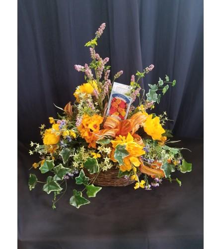 Garden Basket Orange & Ivy