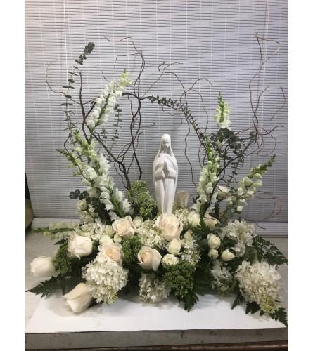 Madonna Grace Sympathy arrangement