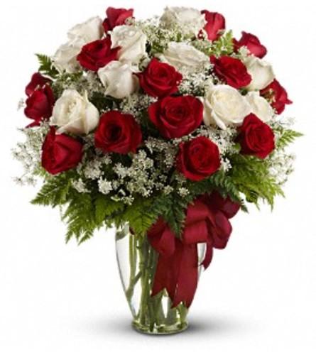 Teleflora Love's Divine Bouquet - Long Stemmed Roses