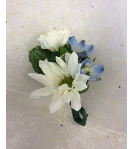 Bout 8 - White and blue (pick up only)