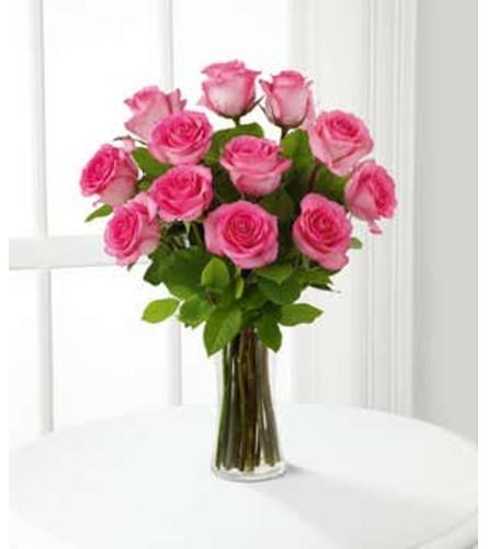 ELEGANT CLASSIC PINK ROSES