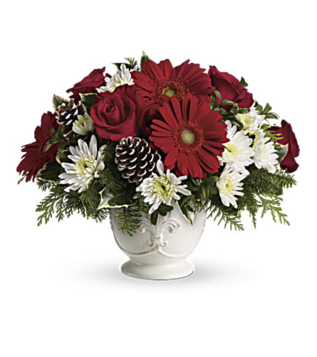The Teleflora Simply Merry Centerpiece