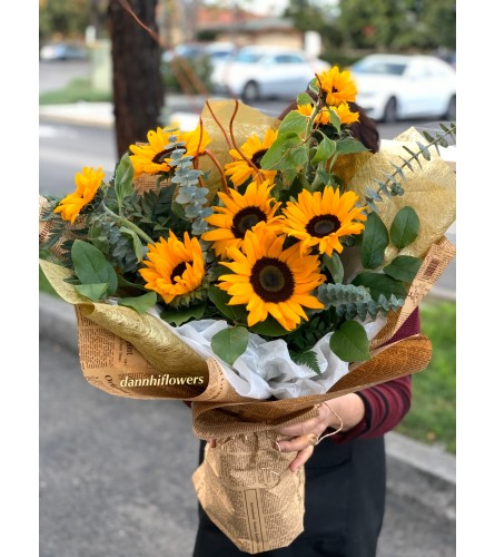 Sweet and simple sunny day bouquet