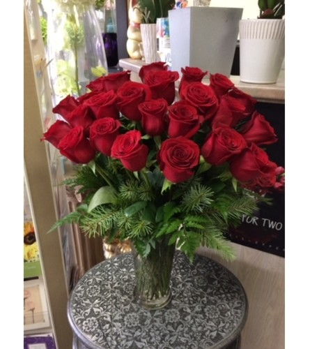 Beautiful 24 red roses in vase