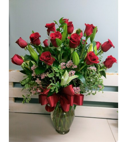 24 Premium Roses with Lilies