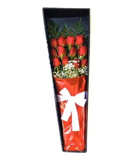 12 Long Stem Roses in a Premium Box