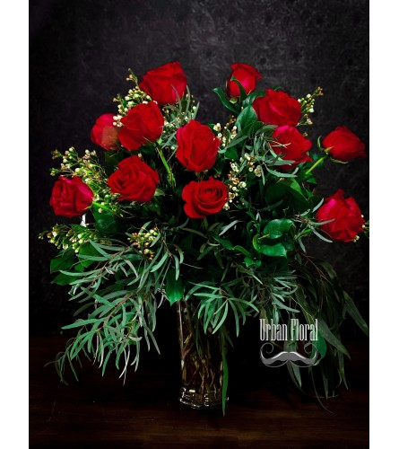 Dozen red roses valentine