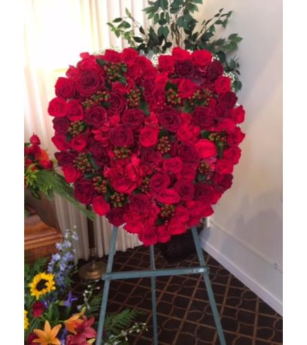 Red Roses Heart Spray