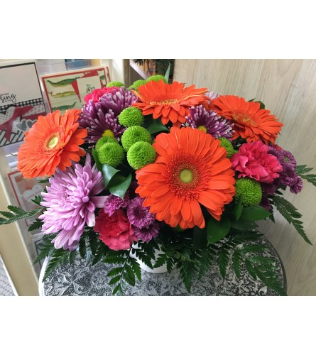Large Bright and cheerful Bouquet by Vivian