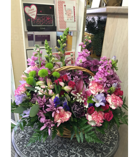 Beautiful garden basket by Vivian
