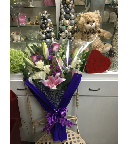 Bouquet of mix flowers by Vivian