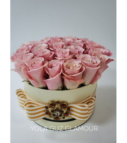 Channel Pink Roses In Box