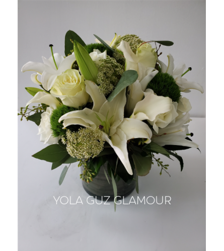 Luxurious White Lilies And Roses