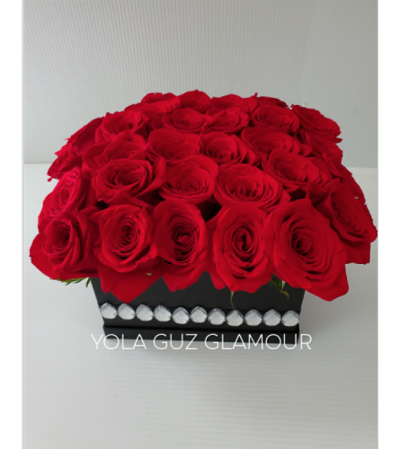 Channel Roses in Black Box