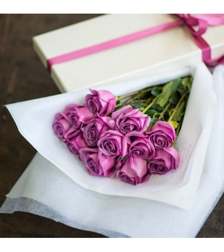 Long Stem Lavender Roses in a Box