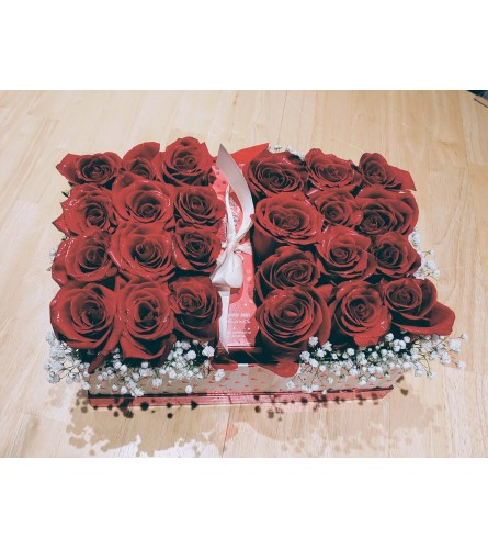 24 Red roses in box with perfume