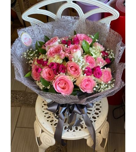 Round open Bouquet 1