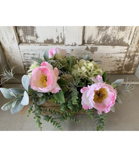 Elegant Floral Mix in a Wooden Box