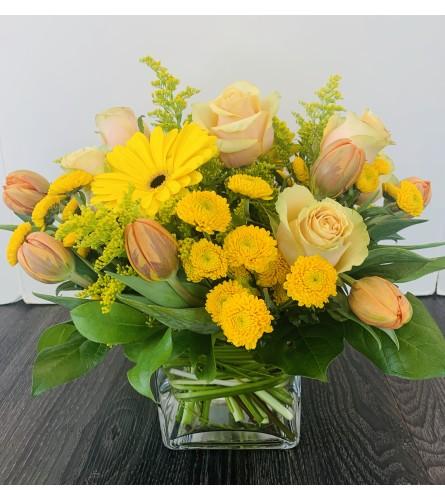 Mellow Yellow Arrangement