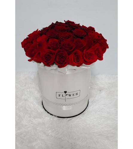50 Roses in Couture Box