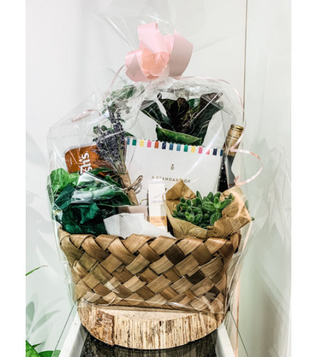 The Heart Company - Gardener's Delight Basket