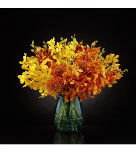 FTD® Desert Skies Luxury Bouquet at Bow River Flower Atelier
