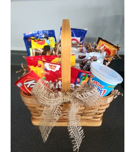 Salty & Sweet Snack Basket