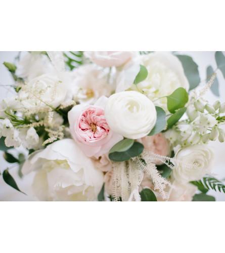 Botanique Signature Bouquet- Sweet & Classic