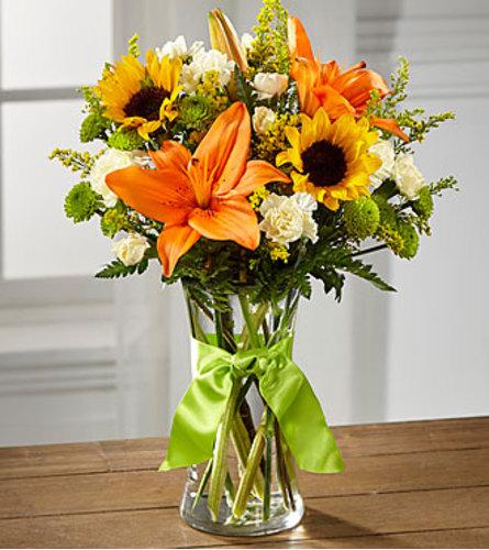 The FTD Country Calling Bouquet Vase Arrangement