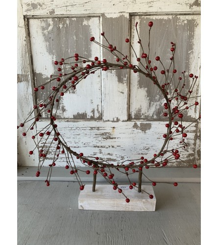 Large Berry Wreath Stand