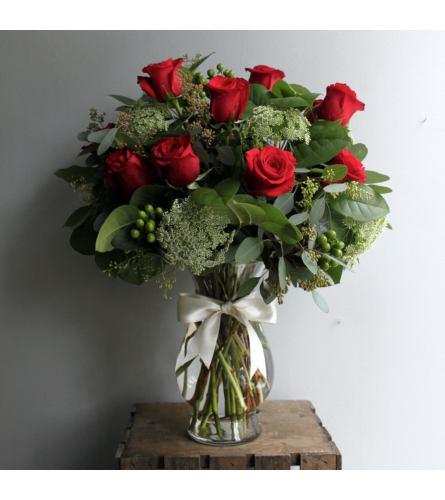 Dozen Roses Deluxe Arrangement