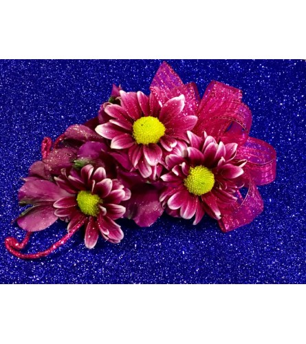 Dainty Daisies corsage