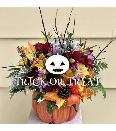 Unique Halloween Pumpkin Arrangement
