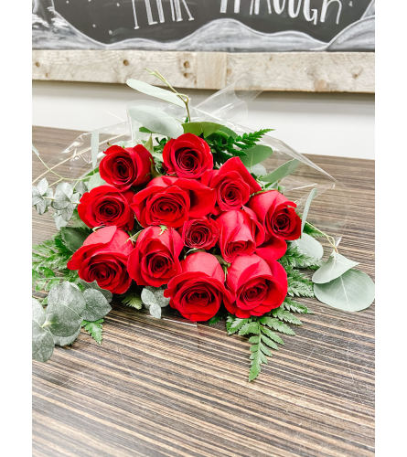 Red Roses Handtied