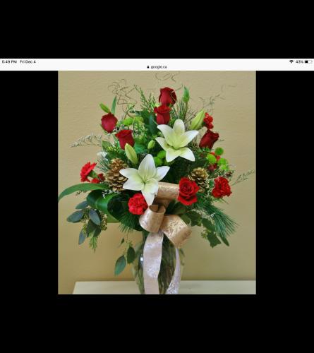 Charismatic Christmas vase arrangement