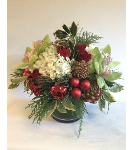 Round holiday Bouquet