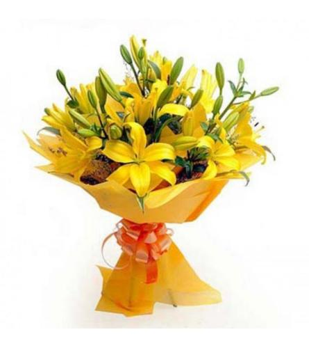 12 Yellow Lily's loose wrapped