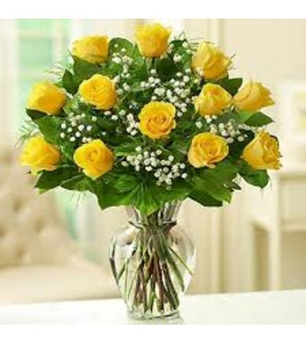 CLASSIC DOZEN YELLOW ROSES IN A VASE WITH BABY'S BREATH
