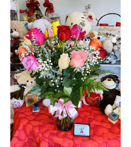 Assorted 18 Roses