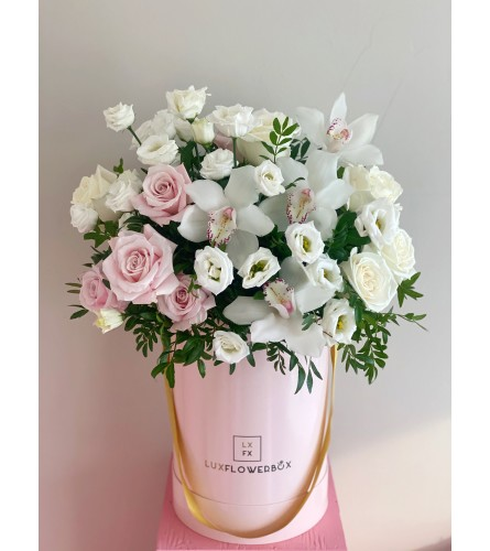 Deluxe Glamorous Blooms ( on a picture deluxe size)