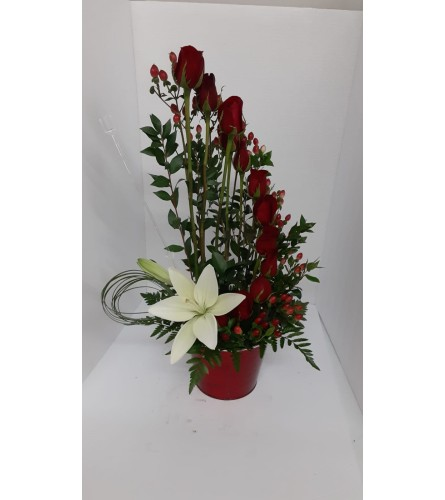 White Asiatic Lily with 12 red spiral roses