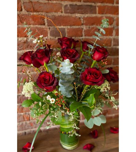 Romantic Roses: 1 Dozen Red Roses