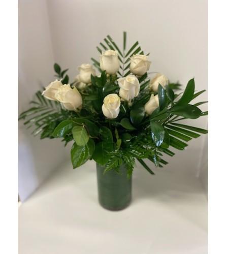 DELUXE WHITE ROSES (1/2 DOZEN, 1 DOZEN & 1.5 DOZEN)