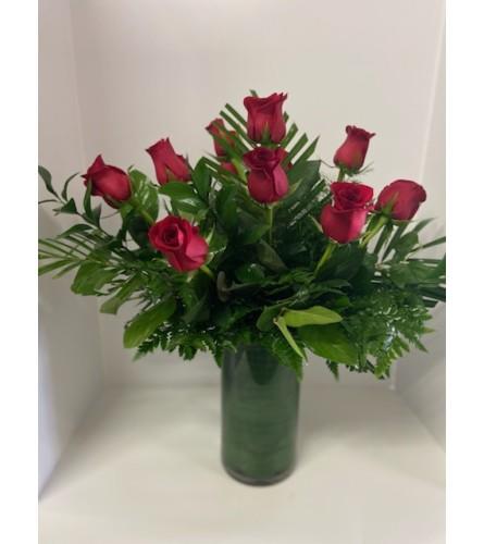 DELUXE RED ROSES (HALF DOZEN TO 1.5 DOZEN)