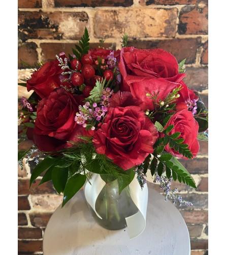 Classic Dozen Roses in a vase