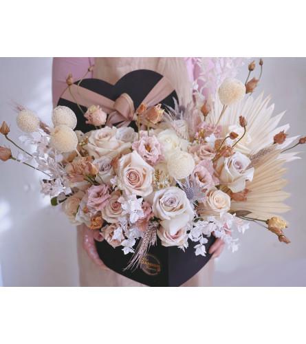 Flowers heart box