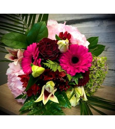 Valentines Hand Tied Bouquet ( No Vase )