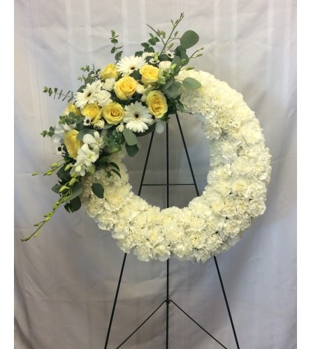 Open Wreath with Yellow and White Spray
