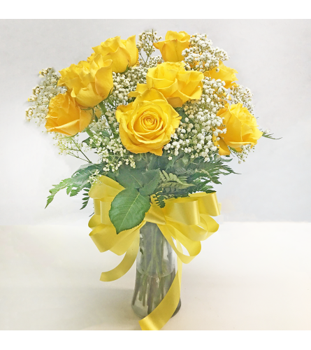 FRESH YELLOW ROSES IN A VASE